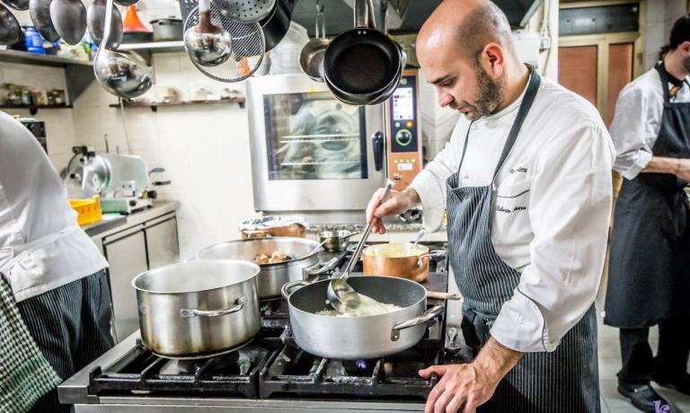La cucina di Roberto Serra, atto d'amore verso la Sardegna